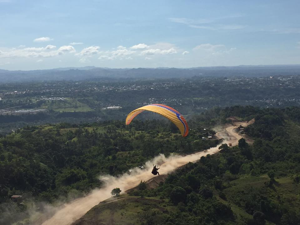 Paragliding Dust Road