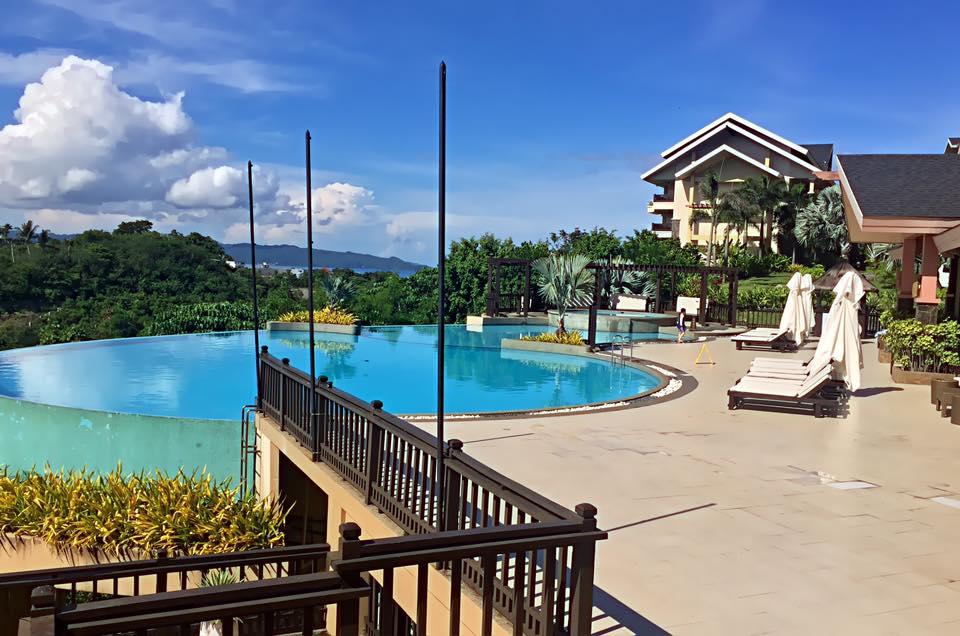 Alta Vista Pool