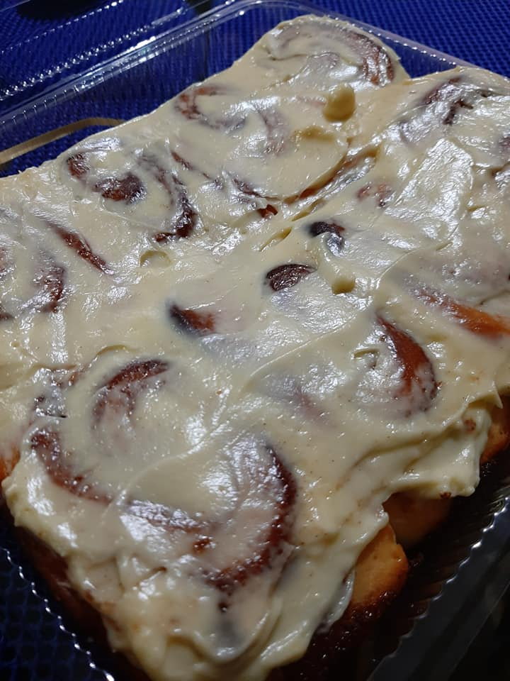 El Panadero Cream Cheese Glazed Cinnamon Rolls1